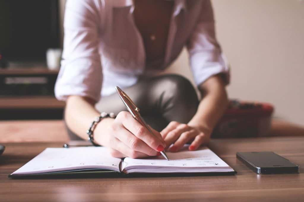 Assistente Virtuale: come scegliere quella giusta per la tua attività