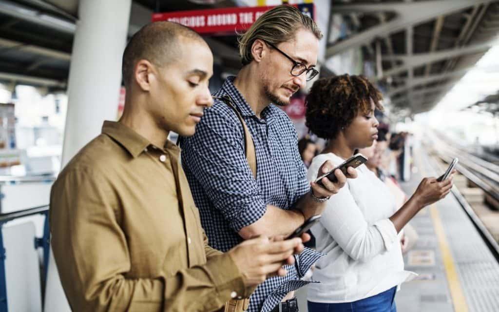 Dipendenza da smartphone: combatterla con le app