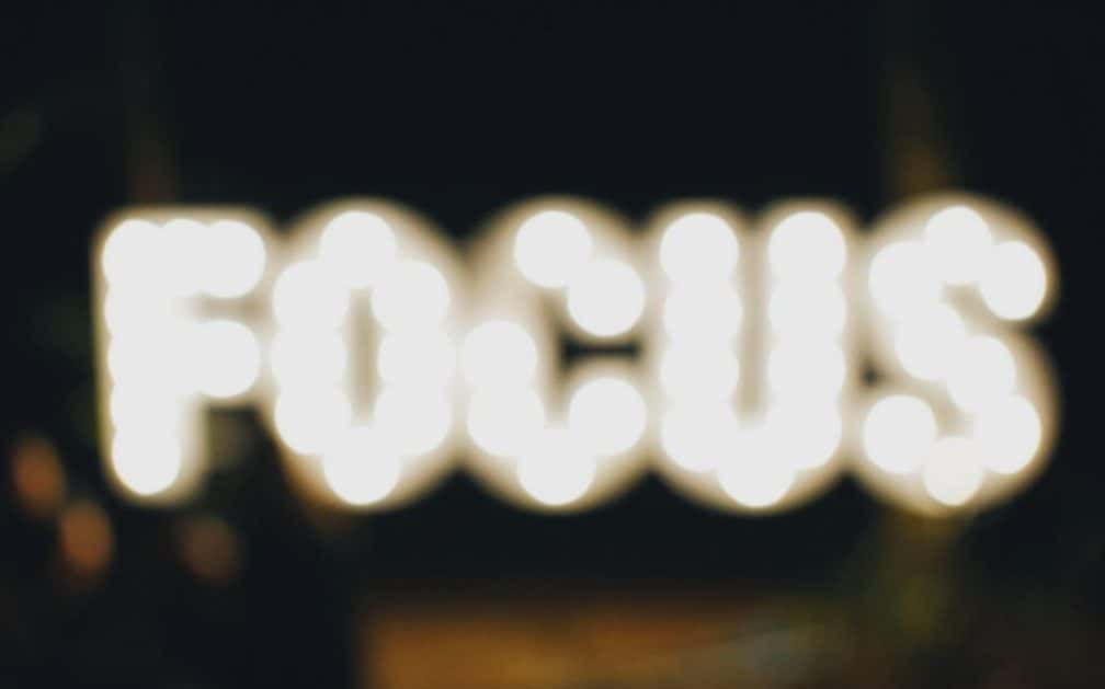 focus insegna luminosa