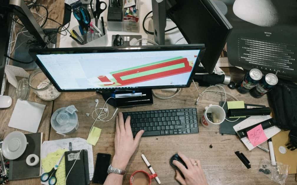 Quanto è sporca la tua scrivania?