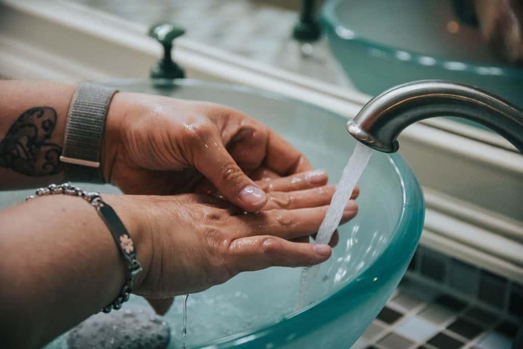 Influenza e malanni stagionali: come evitare il contagio in ufficio